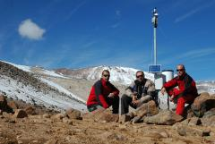 Satellite data collecting from meteorological stations in places without GPRS signal coverage